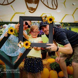 tennessee-honey-festival-family