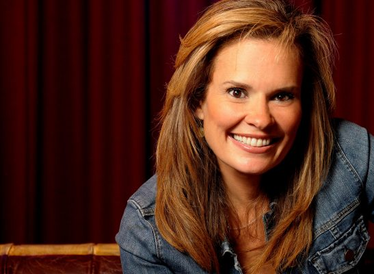 Suzanne-Alexander-The-Host-Of-the-Tennessee-Honey-Festival
